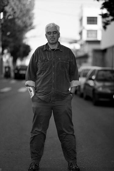 גונן גינת על עצמו: אני בהחלט לא אחד מהמקהלה הקבועה והצפויה והמשעממת של העיתונות הישראלית (צילום: יעקב רונן מורד)
