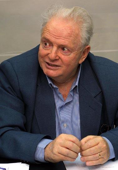 """יוסף לפיד, יו""""ר מפלגת שינוי, פברואר 2003 (צילום: פלאש 90)"""