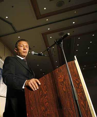 ארקדי גאידמק מכריז על הקמת מפלגת צדק-חברתי, 12.7.07(צילום: מיכל פתאל)