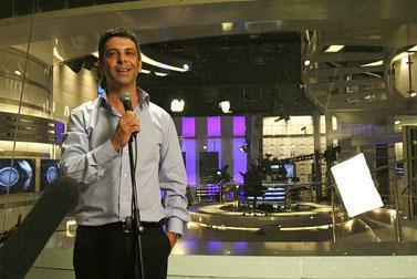 """מנכ""""ל חברת החדשות של ערוץ 2, אבי וייס, בטקס חנוכת אולפן חדש. נובמבר 2007 (צילום: מיכל פתאל)"""
