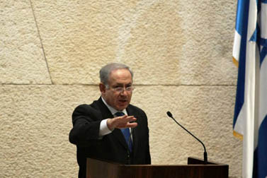 ראש הממשלה בנימין נתניהו נואם בכנסת, מאי 2009 (צילום: קובי גדעון)