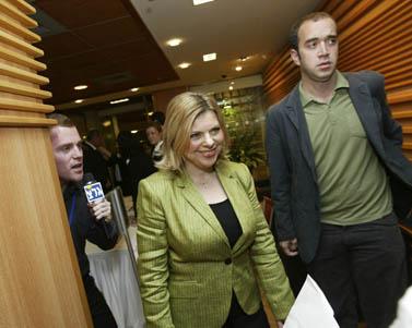 שרה נתניהו במושב פתיחת הכנסת, פברואר 2009 (צילום: אוליביה פיטוסי)
