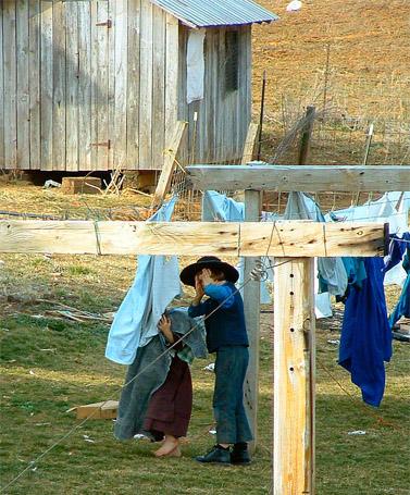 """ילדים בקהילת אמיש באינדיאנה, ארה""""ב (צילום: cindy47452, רשיון cc-by-nc-sa)"""
