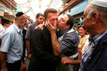 ארקדי גאידמק בשוק מחנה-יהודה (צילום ארכיון: יוסי זמיר)