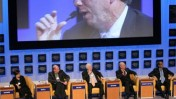 אריק שמידט (על המסך), בפורום העולמי הכלכלי בדאבוס 2007 (צילום: E.T. Studhalter, World Economic Forum )