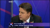 מנהיג הימין הקיצוני ניק גריפין מתראיין ב-BBC (צילום מסך: אתר ה-BBC)