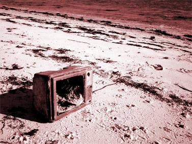 """""""זרוק את הטלוויזיה שלך"""" (צילום: Roo Reynolds, רשיון cc-by-nc)"""