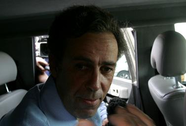 העיתונאי פול מרטין, מיד עם שחרורו מידי חמאס. מעבר ארז, 11.3.09 (צילום: עבד רחים כתיב)