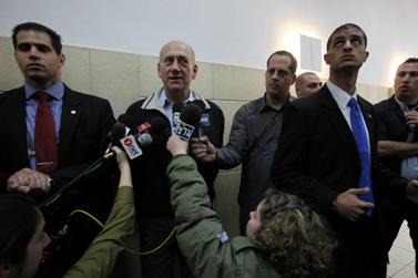 אהוד אולמרט בבית-המשפט, לפני כחודשיים (צילום: פלאש 90)