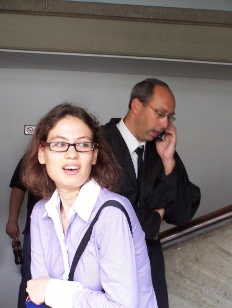 מימין: עורך הדין איתן להמן