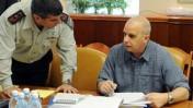 """ראש השב""""כ יובל דיסקין (מימין) והרמטכ""""ל גבי אשכנזי בישיבת הקבינט, 17.3.09 (צילום: משה מילנר/לע""""מ)"""
