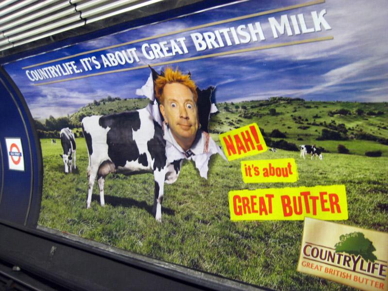 כרזת פרסומת לחמאה ברכבת התחתית בלונדון (צילום: Annie Mole, רשיון cc)