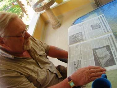 עיתון בפורטו-ריקו מדווח על אסון הטבע ביפן, היום (צילום: דיאן קורדל, רשיון cc)