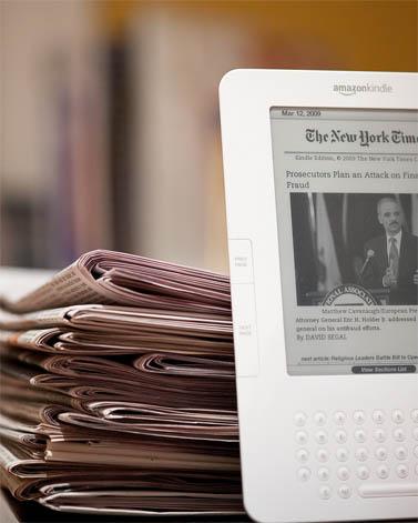 """""""הניו-יורק טיימס"""", גרסת הדפוס והגרסה המקוונת (צילום: בריאן דיואי, רשיון cc)"""