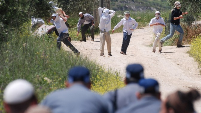 עימותים בין בני נוער ערבים, בני נוער יהודים וכוחות הביטחון, שלשום בשכם (צילום: רעות אמיתי)