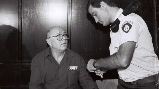 ג'ון דמיאניוק, בבית-המשפט העליון בישראל. אוגוסט 1991 (צילום ארכיון)