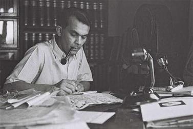עזריאל קרליבך, 1 במאי 1942 (צילום: זולטן קלוגר, נחלת הכלל)