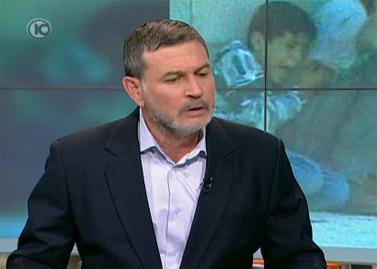 """ד""""ר יהודה דוד מתראיין בתוכנית """"לונדון את קירשנבאום"""" בערוץ 10. 1.5.11 (צילום מסך)"""