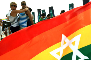 מצעד הגאווה בתל-אביב, 2010 (צילום: עומר מסינגר)