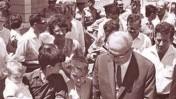 ראש הממשלה לוי אשכול מבקר מתנחלים יהודים בבית-חנינא במזרח ירושלים, 4.7.68 (צילום: פריץ כהן, לשכת עיתונות ממשלתית)