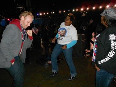 חגיגות נצחון אובמה בשיקגו (צילום: John W. Iwanski, רישיון CC BY-NC 2.0)