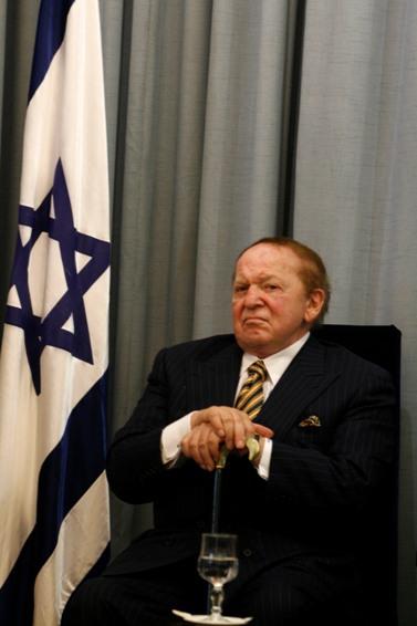 שלדון אדלסון בבית הנשיא בירושלים, 12.8.07 (צילום: אוליביה פיטוסי)