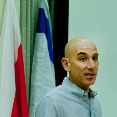 """עורך """"הארץ"""" אלוף בן, אוגוסט 2012 (צילום: משה שי)"""