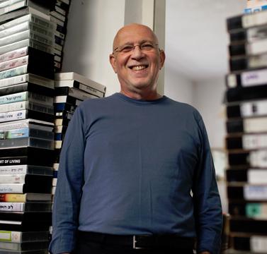 מאיר שניצר בביתו בתל-אביב, דצמבר 2012 (צילום: מתניה טאוסיג)