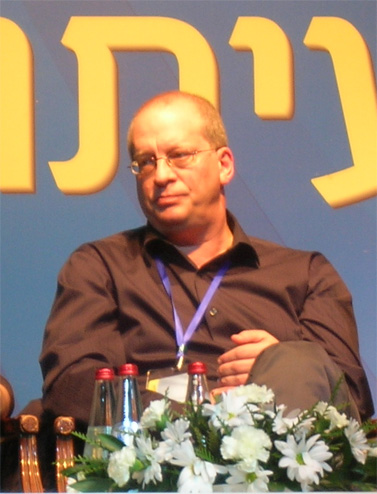 """ראודור בנזימן בתקופה שהתפטר ממנכ""""לות חברת החדשות של ערוץ 10 (צילום: """"העין השביעית"""")"""