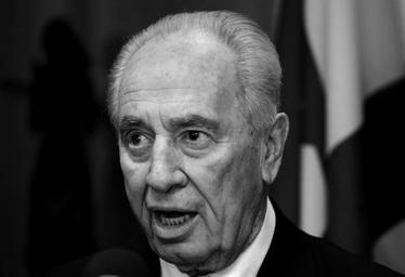 פרס נרתם לשכנע את ותיקי העבודה (30 בנובמבר 2005)