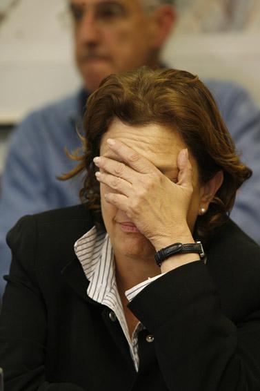 שרת החינוך יולי תמיר, בתום 18 שעות של משא ומתן עם המרצים השובתים. ינואר 2008 (צילום: מיכל פתאל)