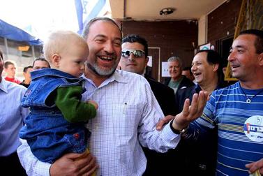 אביגדור ליברמן מבקר באשקלון, 6 בפברואר (צילום: אדי ישראל)