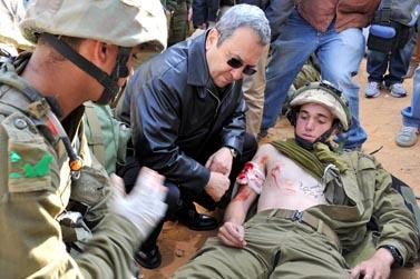 שר הביטחון אהוד ברק בתרגיל צבאי במחנה צאלים, ינואר 2011 (צילום: אריאל חרמוני, משרד הביטחון)