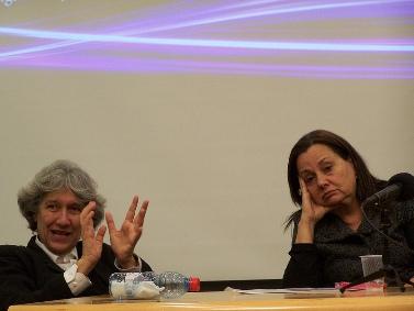 """פרקליטת מחוז תל-אביב לשעבר רות דוד (מימין) וממלאת-מקום נשיאת מועצת העיתונות ארנה לין, בכנס בשבוע שעבר (צילום: """"העין השביעית"""")"""