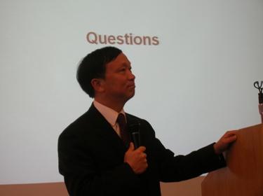 """סְיָה גִ'י-סוּ'אֵן, סגן נשיא רשת הרדיו הסינית CRI (צילומים: """"העין השביעית"""")"""