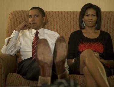ברק אובמה ורעייתו מישל, בערב הבחירות ה-5.11 בביתם שבשיקגו (צילום: דיויד כץ, האתר הרשמי)