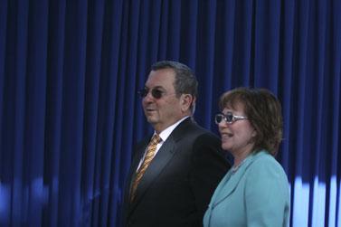 משמאל: אהוד ברק ונילי פריאל (צילום: פלאש 90)