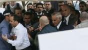 משה קצב נכנס לבית המשפט (צילום: פלאש 90)