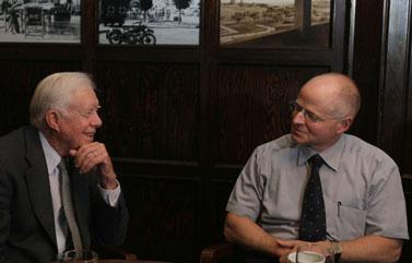 משמאל: ג'ימי קרטר ונועם שליט, אתמול בירושלים (צילום: פלאש 90)