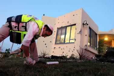 ביתו של ג'ימי קדושים, שנהרג שלשום מפגיעת פגז מרגמה בקיבוץ כפר-עזה (צילום: פלאש 90)
