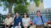 בני משפחות החטופים מחוץ למשרד ראש הממשלה, אתמול (צילום:אוליבייה פיטוסי)