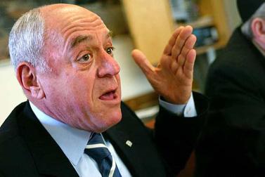 שר האוצר רוני בר-און (צילום: אוליביה פיטוסי)
