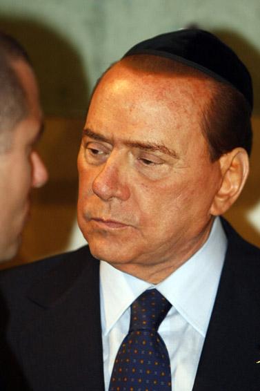 ראש ממשלת איטליה סילביו ברלוסקוני, אתמול ביד-ושם (צילום: אביר סולטן)