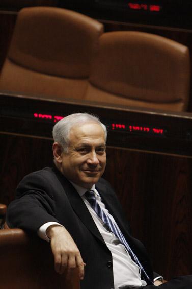 ראש ממשלת ישראל בנימין נתניהו, אתמול בכנסת (צילום: מרים אלסטר)