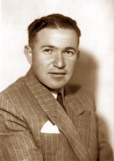 גבריאל צפרוני בשנות ה-40 או ה-50 של המאה שעברה (צילום: צבי אורון, הארכיון הציוני המרכזי, נחלת הכלל)