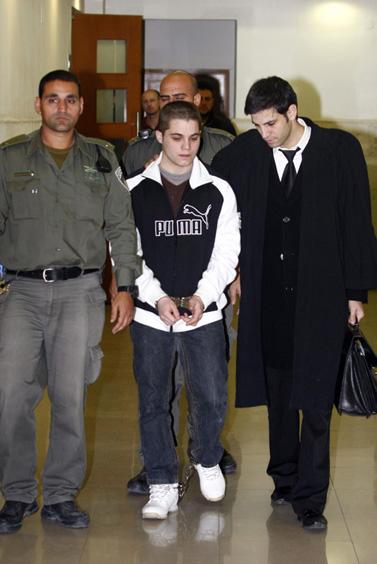 נחום בן-יצחק, החשוד ברצח במועדון ון-גוך בירושלים לפני כחודשיים, היום בבית-המשפט (צילום: אביר סולטן)