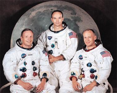 """צוות החללית אפולו 11. משמאל: ארמסטרונג, קולינס, אלדרין (צילום: נאס""""א)"""