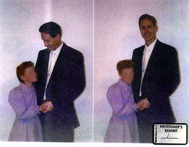 צילום של וורן ג'פס עם קטינה שהוגש מטעם התביעה במשפטו