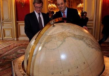 שר הביטחון אהוד ברק בעת ביקור בצרפת (צילום: פלאש 90)