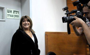 שולה זקן, אתמול בבית-המשפט (צילום: יוסי זליגר)